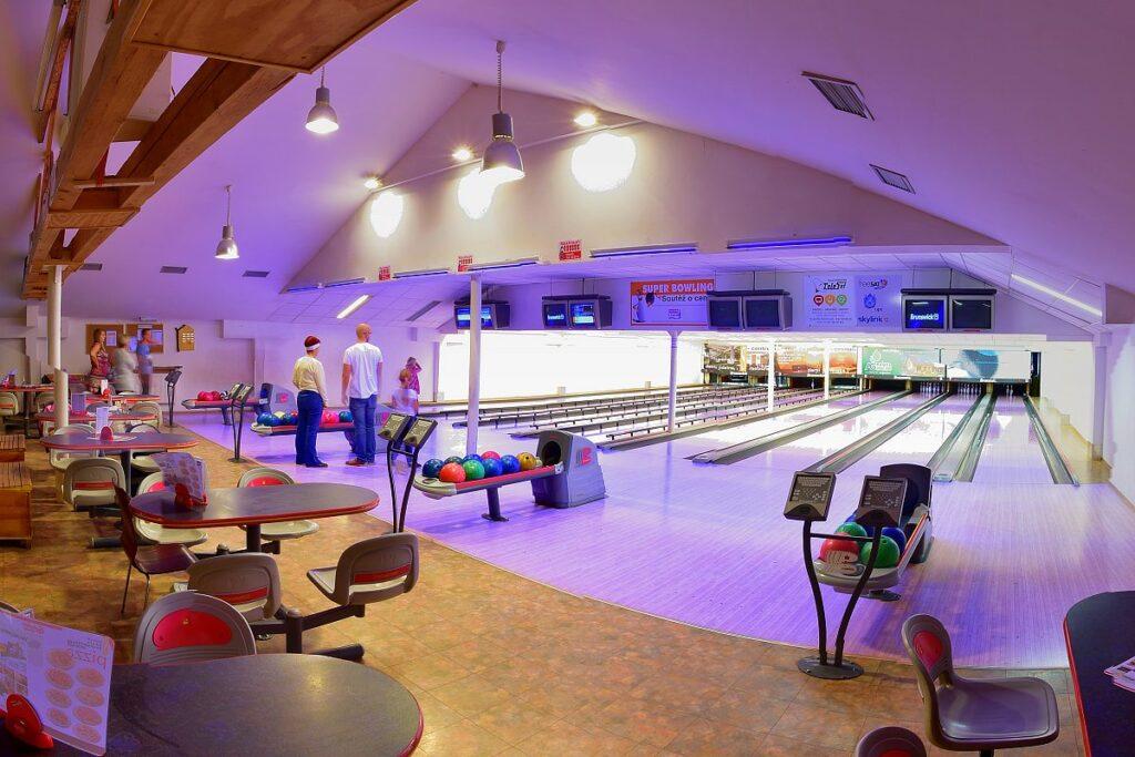 Bowling S-centrum Děčín